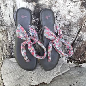 Sanuk Slingshot Floral Thong Sandals Sz. 10